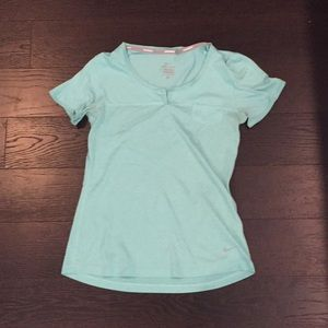 Nike Dri Fit Short Sleeve Top Size Small